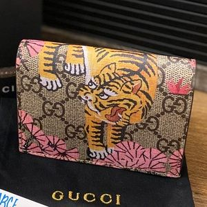 🌸SOLD🌸Gucci bengal tiger compact wallet
